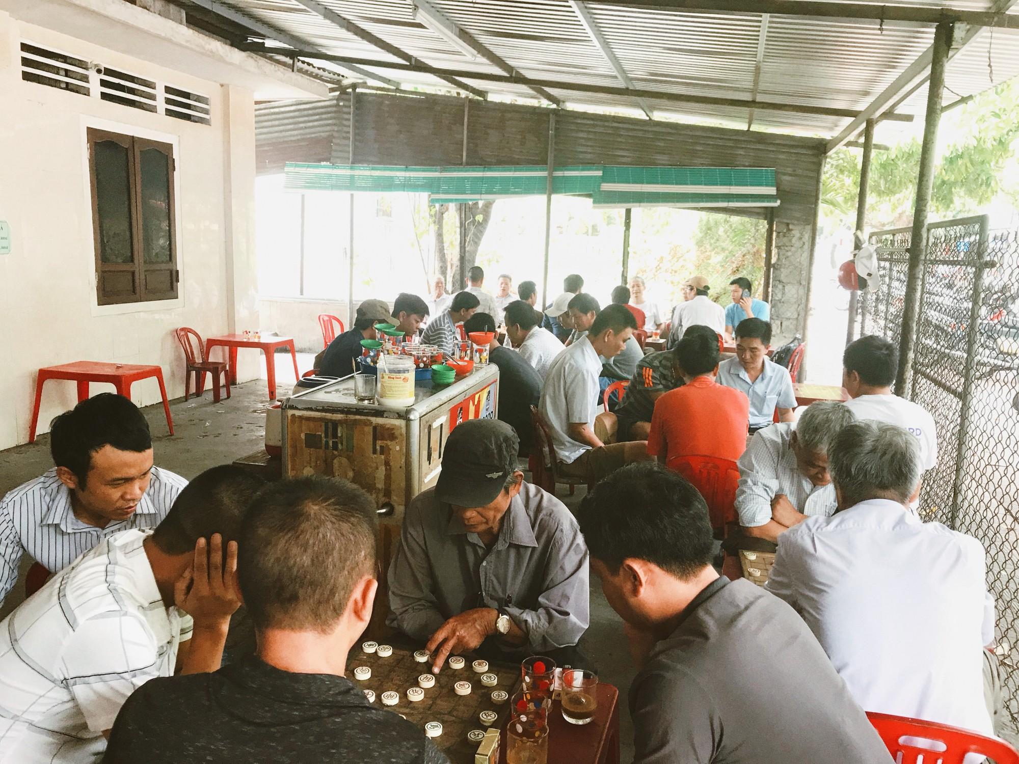 Nơi hội tụ đủ mọi lứa tuổi thích chơi cờ tướng.